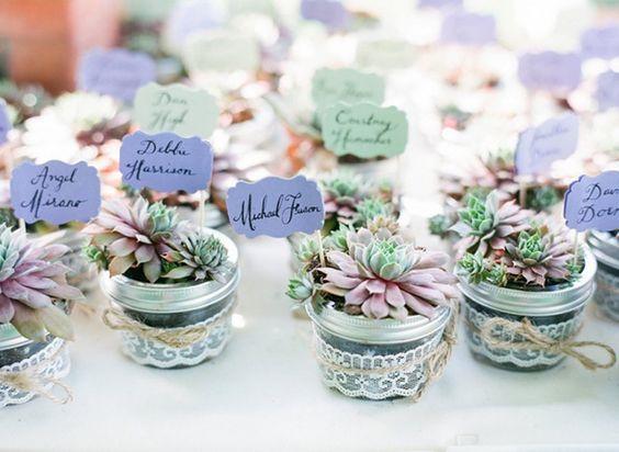 flower arrangement wedding favors